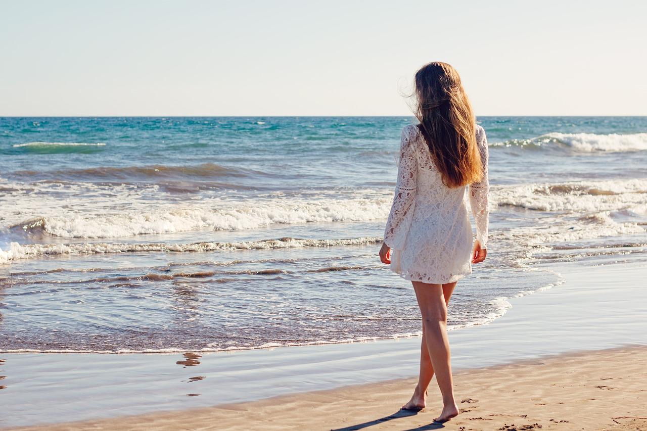 Imagen de mujer para preparar el cabello para el verano